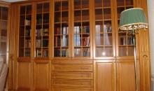 Шкаф книжный из массива дерева